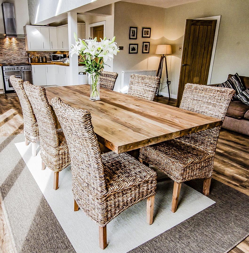 Sakra reclaimed wood dining table2